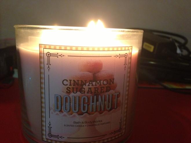 Bath and Body Works Cinnamon Sugared Doughnut candle 1
